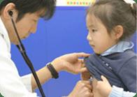 内科医による健康診断を実施