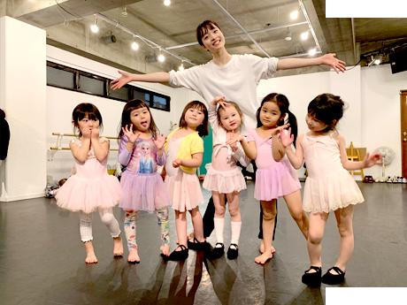 ジャクパスポーツクラブによるリズムダンス授業